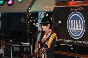 JILLIAN KOHR #LIVE @THE BLUEBIRD CAFE - NASHVILLE, TN 12/09/13 #RIAA #ROCKIN #COUNTRY #MUSIC